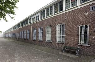 'Acht gevangenissen gaan sluiten'