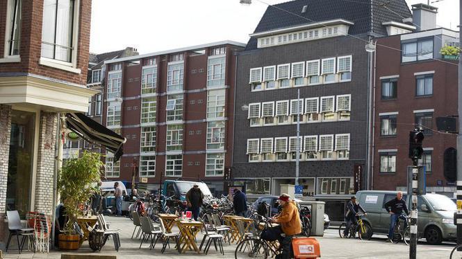 Politiebureau Wallen naar eigenaren Soerel-pand