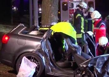 Video: Plofkrakers crashen Audi in Duitsland (UPDATE)