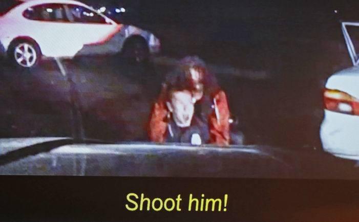 Politieman vecht voor zijn leven (VIDEO)