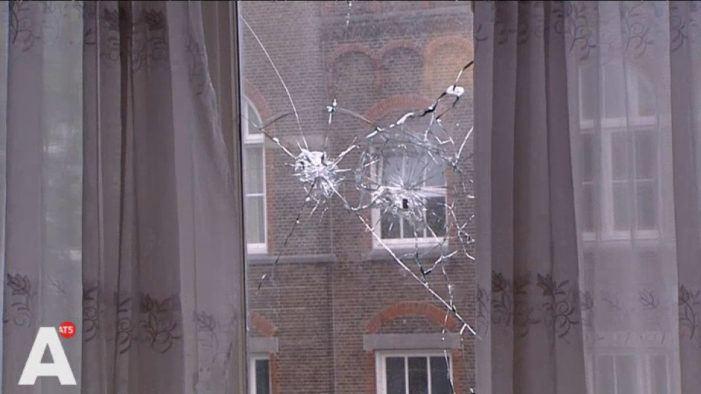 Woning gezin Amsterdam beschoten