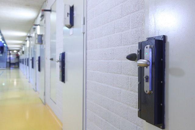 Gedetineerde gewond na brand in cel