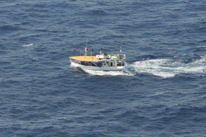 Marine: 300 kilo drugs naar de haaien
