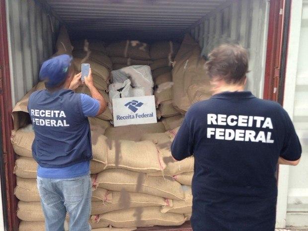 Bijna 300 kilo coke in Brazilië gepakt