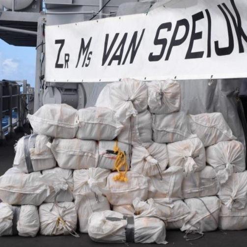 Marine pakt 500 kilo cocaïne in Caribische Zee