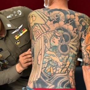 Gepensioneerde Yakuza gepakt door tatoeage