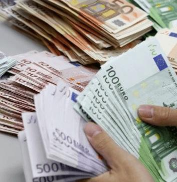 2 Ieren met 200.000 euro aangehouden