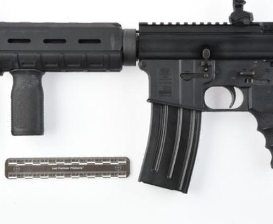 Spookwoning met blokken coke en vuurwapens