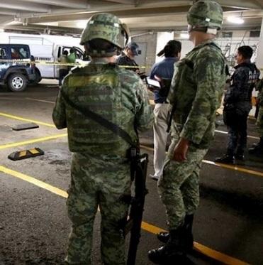 Acapulco: politie ontheven, mariniers nemen over (VIDEO)