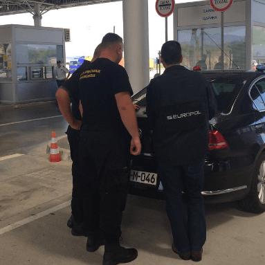 Grote politieactie tegen Oost-Europese criminelen