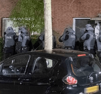 Politie-actie tegen MC Caloh Wagoh: wapens gevonden (UPDATE)