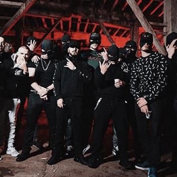 Albanese gangsters laten het breed hangen op Instagram