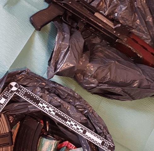 Politie vindt wapens in Hengelo en in auto