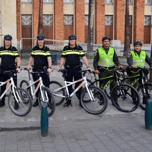 Nederlandse fietsagenten leren Colombianen het vak