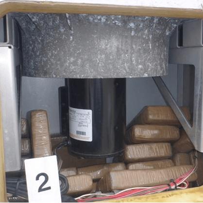 Douane vindt 65 kilo coke tussen bananen