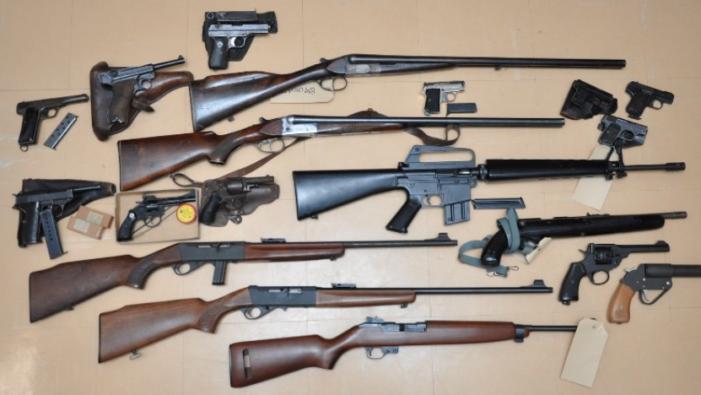 24 vuurwapens ingeleverd in Rotterdam
