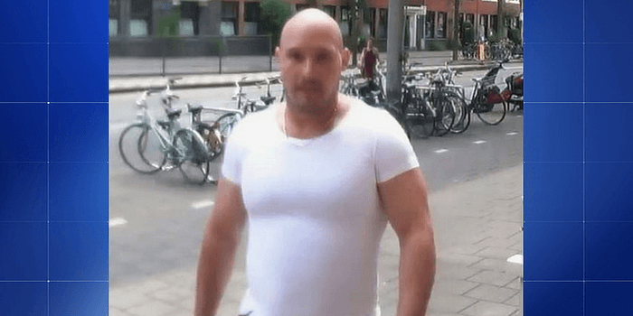 """""""Lachende killer"""" krijgt levenslang voor huurmoord in de Beethovenstraat (VIDEO)"""