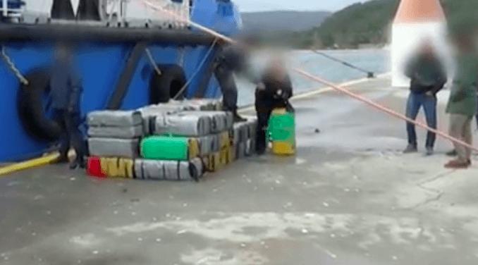 Nederlander op schip met 3300 kilo cocaïne (VIDEO)