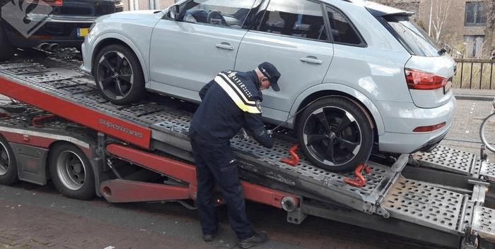 Spookbewoning: miljoenen aan cash en auto's gepakt