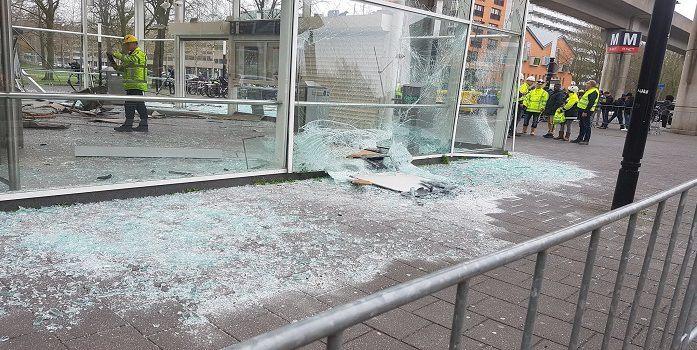 Ravage door plofkraak op metrostation Ganzenhoef