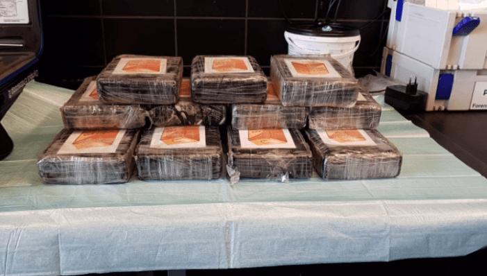 Politie vindt 15 kilo cocaïne in een taxi