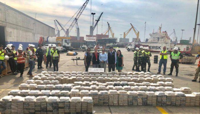 Ruim 2.000 kilo cocaïne voor Antwerpen onderschept