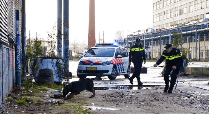 Politie: grote hoeveelheid drugs gevonden
