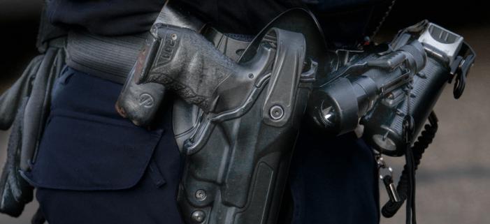 Albanees met doorgeladen vuurwapen aangehouden in Breukelen
