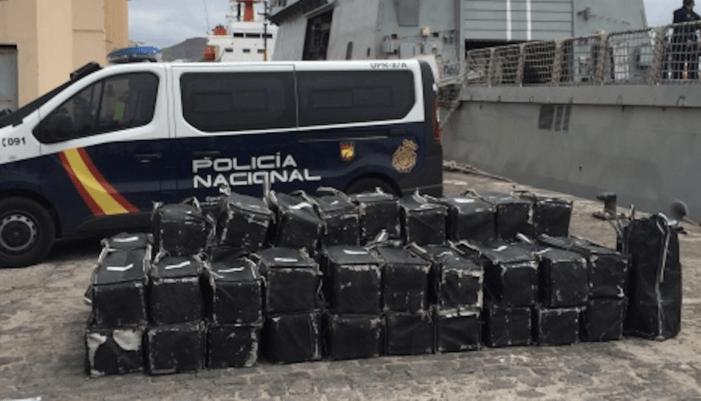1,5 ton cocaïne op zee onderschept