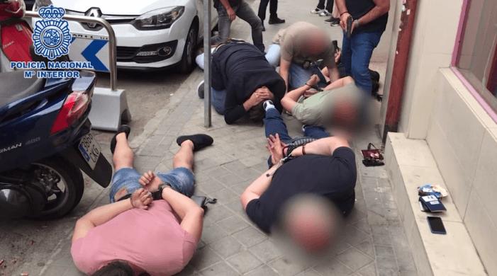 Spaanse politie bevrijdt gegijzelde Argentijn (VIDEO)