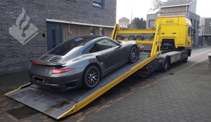 'Van witwassen verdacht autoverhuurbedrijf ontmanteld'