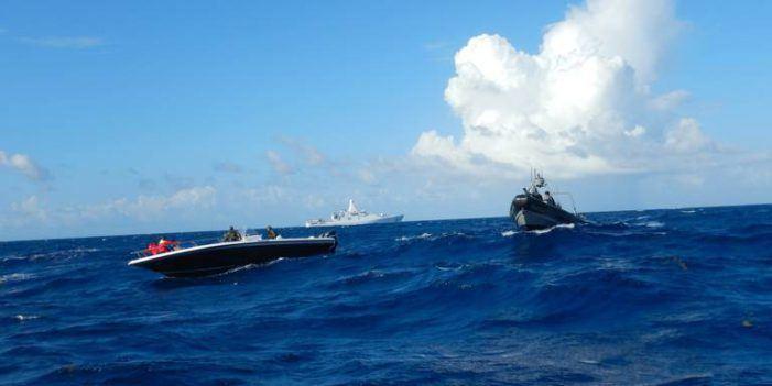 Marineschip pakt coke en geld in Caraïbisch gebied