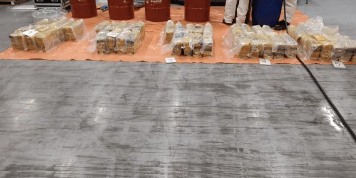 Aanhoudingen in Rijnond na cocaïnevangst (UPDATE)