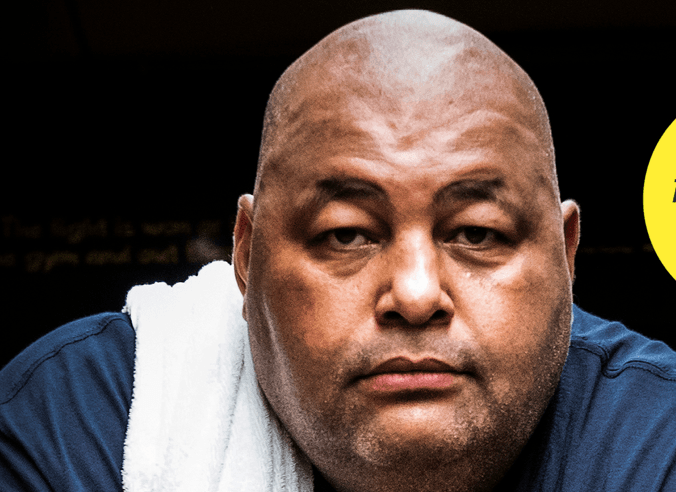 Over Dick Vrij en kickbokstrainer Mike Passenier