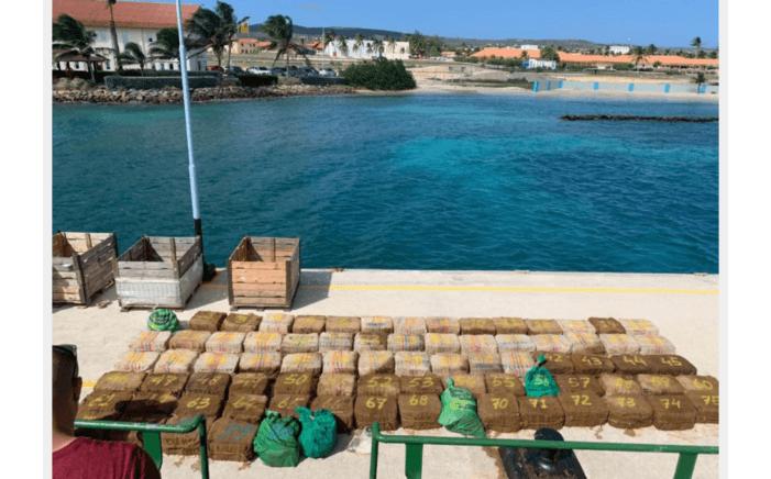 Ruim twee ton cocaïne bij Aruba onderschept