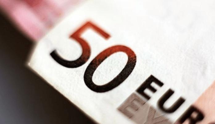 20-jarige met 71.000 euro cash in zijn auto