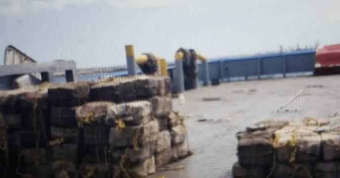 3000 kilo cocaïne voor de kust van Aruba gepakt