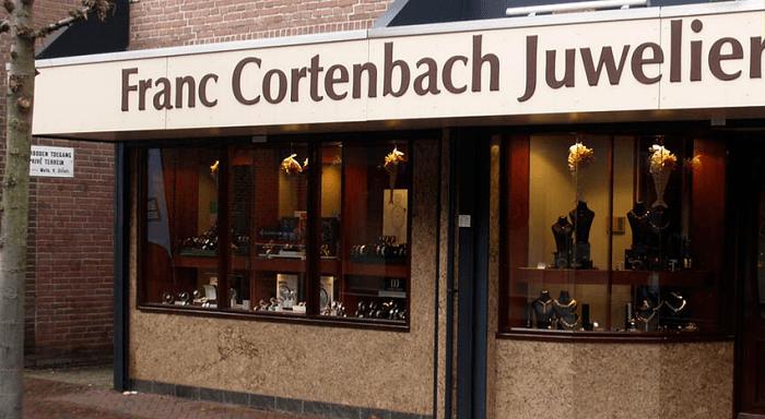 Schoten gelost bij overval juwelier Waalwijk
