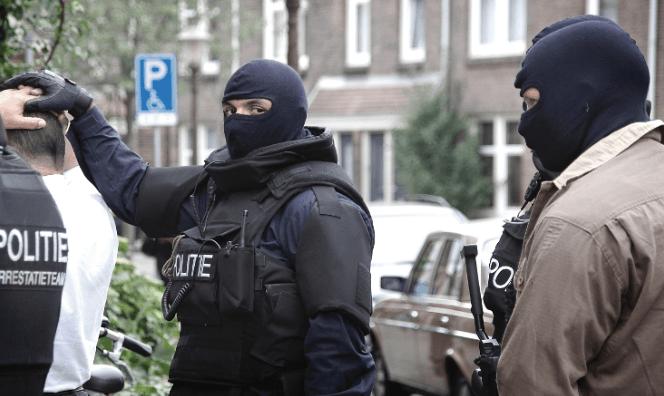 4 Amsterdammers aangehouden voor drugs en vuurwapens