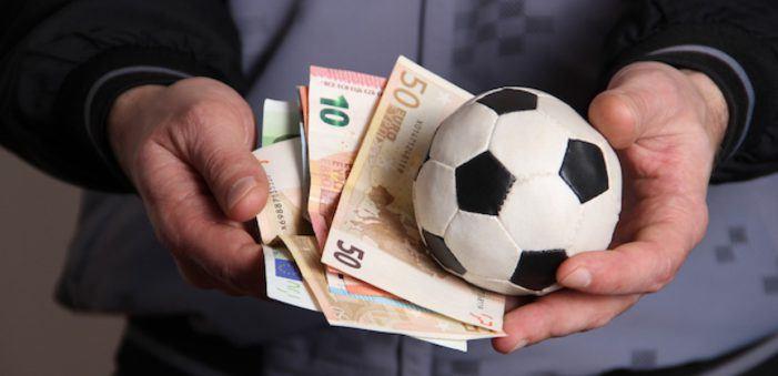 'Bij zeventig voetbalclubs signalen van criminele infiltratie'