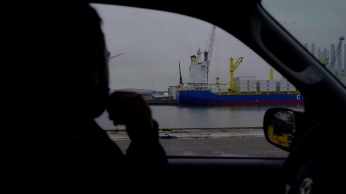 Politie toont beelden coke smokkelende havenarbeiders (VIDEO)