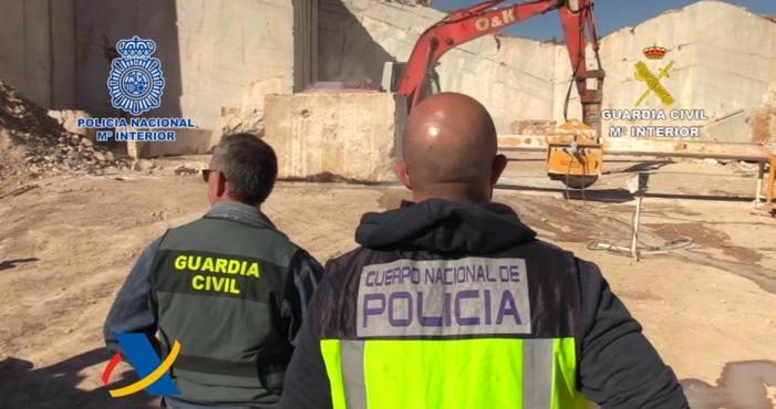 Mega-methvangst in marmerblokken (VIDEO)