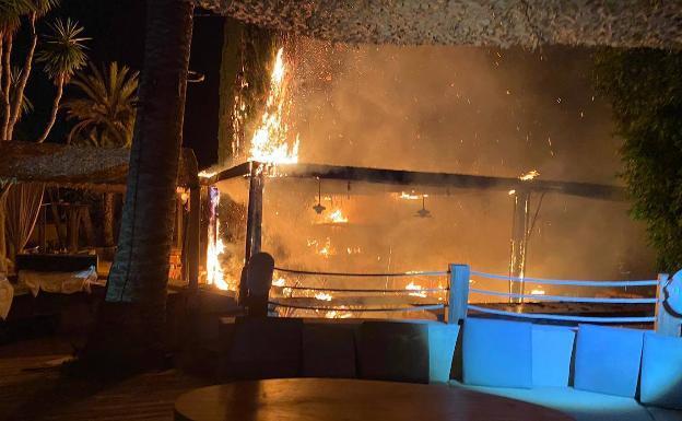 Luxe beachclub Marbella doelwit van brandstichting
