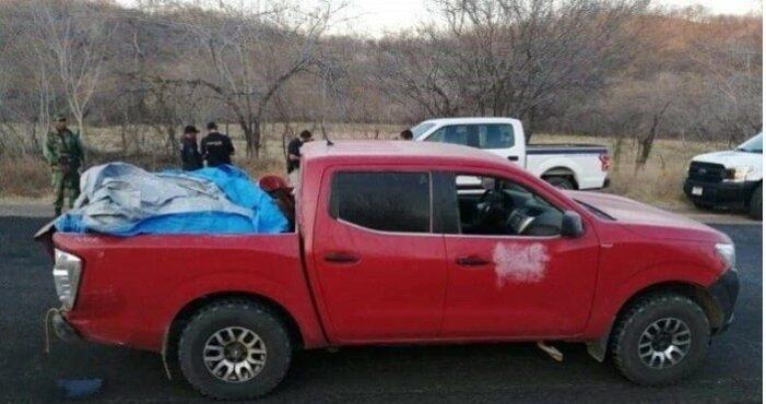 Lijken twaalf Mexicaanse kartelleden achtergelaten in pick-uptruck