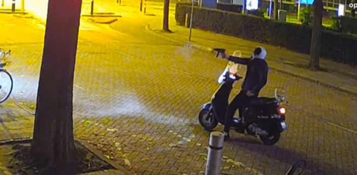 Politie: daders schietpartijen shishalouges dezelfde (VIDEO)