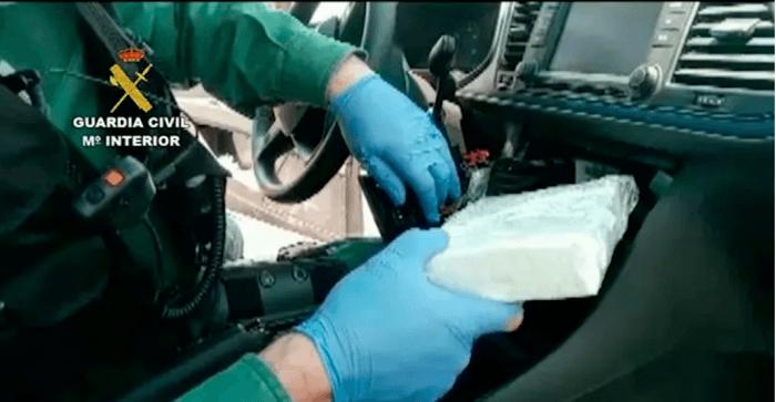 Cocaïnedealers Costa del Sol opgepakt voor smokkel in gepimpte auto's