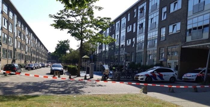 Zwaargewonde bij schietpartij in woning Amsterdam-West (UPDATE)