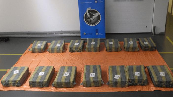 Voor 82 miljoen aan cocaïne gepakt in Rotterdam