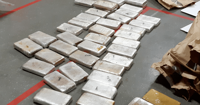 82 kilo cocaïne en 1,5 miljoen euro cash in auto in Breda