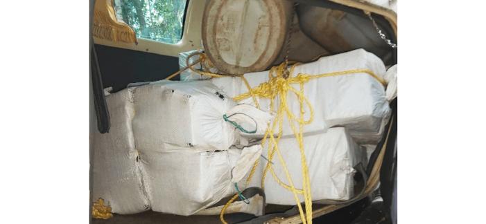 Marineschip vangt 465 kilo cocaïne